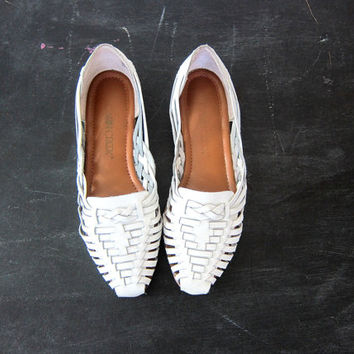 vintage white leather huaraches woven leather sandals Summer Beach Shoes women's size 8.5 Dell's