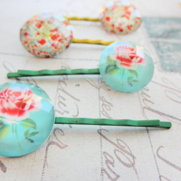 Shabby Rose Patterns on Green and Yellow Bobby Pins Set of 2 Pairs