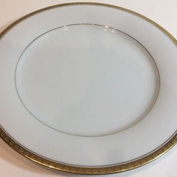 Noritake Richmond China Set of 4 White Dinner Plates Gold Accent Band 6124 Japan