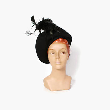 Vintage 40s FEATHERED HAT / 1940s Black Felt & Feather Tall Statement Hat