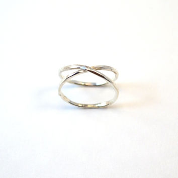 Hammered Silver Infinity Band. Criss Cross Ring