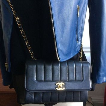 GTOW Chanel black vintage cross body bag VGC