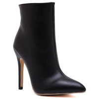 Black Side Zippered High Heel Boots