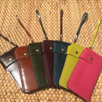 Leather Wristlet Wallet / iphone 6 / Credit Card / Handmade