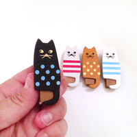 4 cat wooden clip - bag clip - gift clip - photo wood clip -paper clip - gift favors - kitty clip - party favor - wooden cat embellishment