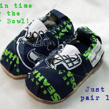 Seattle Seahawks Reversible Mary Janes Baby Shoes
