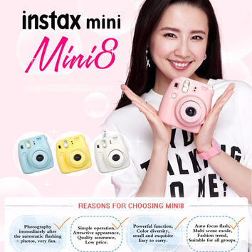 Fujifilm Fuji Instax Mini 8 GIFT BOX with photo bag, lens, 20 Sheets and stickers