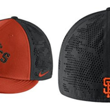 Nike Men's San Francisco Giants True Vapor Swoosh Flex Fitted Hat (M/L)