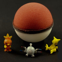Fizzing Pokeball Bath Bomb - Pokemon Toy Inside