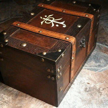 JRR Tolkien inspired Keepsake Box Chest - The Hobbit - Lord of the Rings box wood burned