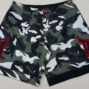 TAPOUT MMA Fight UFC Mens Camo Swim Trunks Board Shorts Size 34