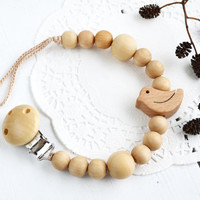 Natural Color Pacifier clip with little Bird- Wooden pacifier clip - Newborn gift - Baby shower gift