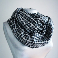 Handmade Houndstooth Infinity Scarf - Tweed - Black White Gray - Winter Autumn Scarf