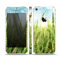 The Sunny Wheat Field Skin Set for the Apple iPhone 5s
