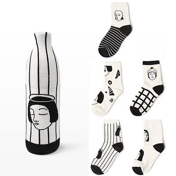 Japanese Winter Man Woman Head Face Striped Cotton Women Socks Funny cartoon Plaid Creative Novelty Black White Couple Socks