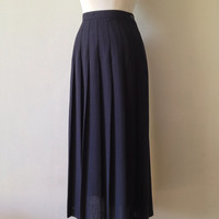 black pleated skirt / highwaisted long black skirt / black maxi skirt