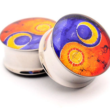 Sun and Moon Yin Yang Picture Plugs Style 2 gauges - 00g, 7/16, 1/2, 9/16, 5/8, 3/4, 7/8, 1 inch