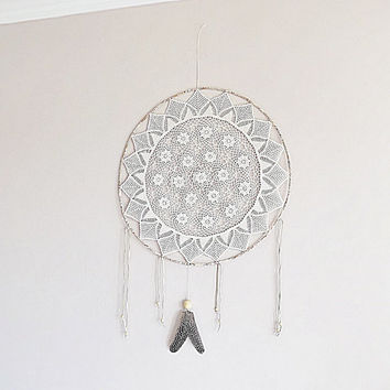 Extra large dream catcher, crochet doily, in natural colors, wall hanging, big dreamcatcher, textile art, floral mandala, unique, handmade