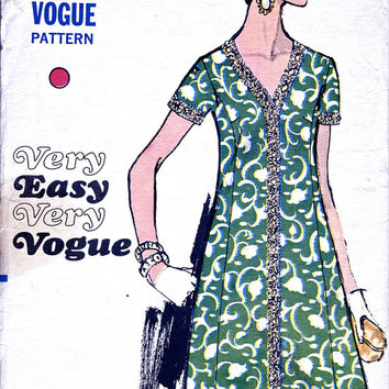 1960's Dress Pattern - Vogue 7563 - Vintage Sewing Pattern - Bust 39 Inches
