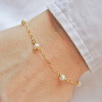 White Freshwater Pearl Bracelet,  Pearl Bracelet, 14k Gold Filled or Sterling Silver, Wedding Jewelry, Bridesmaid Gift, Junes Birthstone