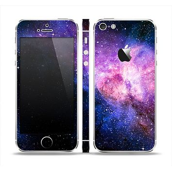 The Vibrant Purple and Blue Nebula Skin Set for the Apple iPhone 5