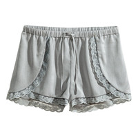 H&M Satin shorts 9,95 €