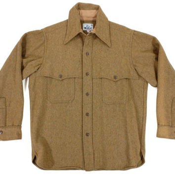Vintage Woolrich Shirt in Tan - Jacket Flannel Wool Ivy League Menswear - Men's Size Large Lrg L