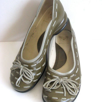 John Fluevog Vintage 1990s Shoes Green Gray Leather Flat Slip On Shoes 6
