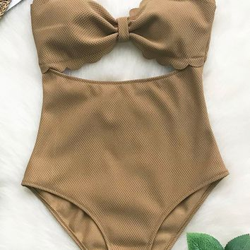 Cupshe Pursuit Of Light Solid One-piece Swimsuit