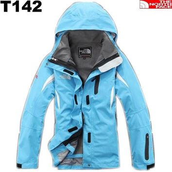 DCK7YE The North Face Windproof Jackets