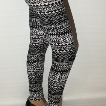 Women's Aztec Leggings Chevron Print Black/White: OS/PLUS
