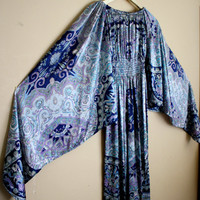 Vtg INSANE Bell Sleeves, Psychedelic Print, Intricate Pattern Bohemian 1960s