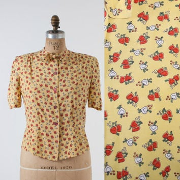 40s NOVELTY Print Rayon BLOUSE / 1940s Heart Shaped TURNIPS Kitten Bow Top xs - s