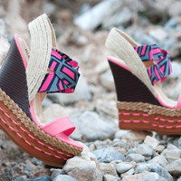 Bumper Lea-09 Fuchsia Geometric Print Open Toe Platform Wedge Shoes 4 U Las Vegas