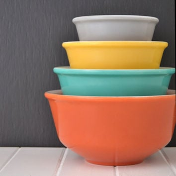 Vintage Mixing Bowl Set - Hazel Atlas - Nesting Bowls - Fired On Retro Colors - Fall Sierra Colors - Set of 4