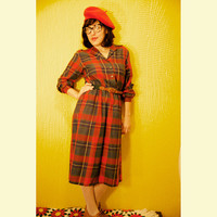 Red Plaid Holiday Dress with Belt. 70s style Dress. EJM Petite.
