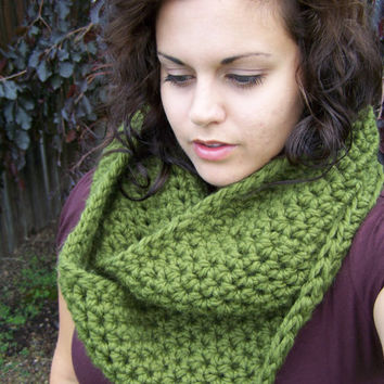 Crochet Infinity Scarf Chunky Olive Green by SoLaynaInspirations