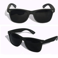 MEN Sunglasses Wayfarer Style Black Frame with Dark Lens - NEW!