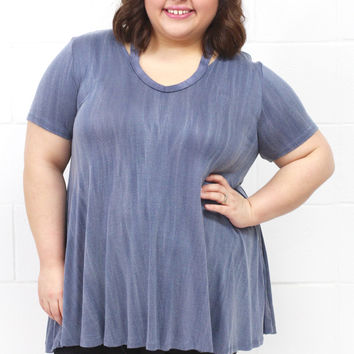 Curvy: Shoulder Cut Out Mineral Washed Basic {Blue Mix}
