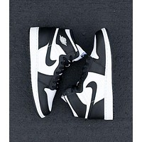 Nike Air Jordan Retro 1 Fashion Women Men High Top Contrast Sports Shoes Sneakers White&Black