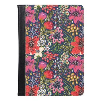 Vintage Bright Floral Pattern iPad Air Case