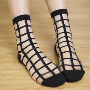 TRANSPARENT GRID SOCKS