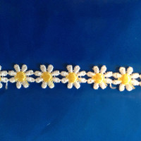 Daisy Trim WHITE AND YELLOW 1/2 inch-2 yards