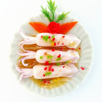 Kantiya Miniatures Dollhouse Barbie Food : Realistic Thai Food Collection : Steamed Squid with Lime Garlic and Chilli Sauce , 1.6 Inch