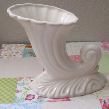 Vintage Home Decor/Vase/Cream-Ivory Color/Ceramic/Art Deco Style/Marked Made In Japan/1950's/Mid-Century
