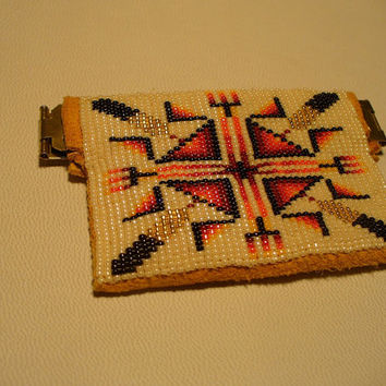 Native American Style Loom beaded small squeeze to open coin pouch