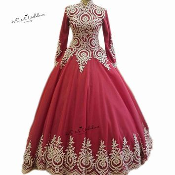 High Neck Long Sleeve Muslim Wedding Dress 2018 Hijab Saudi Arabia Bridal Dresses Red Gold Lace Ball Wedding Gowns Floor Length