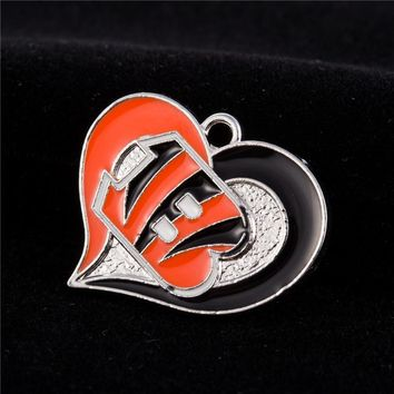 New Fashion Heart Alloy Cincinnati Bengals Football Flag Dangle Charms For Jewelry Making Bracelet Necklace Hanging Charms