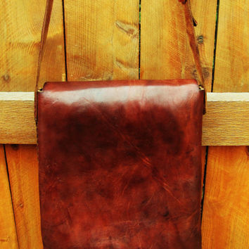 LARGE rustic distressed whiskey brown leather messenger. notebook case. large leather satchel. large leather saddle bag