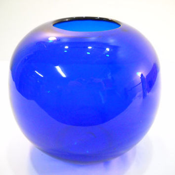 Vintage Cobalt Blue Round Vase Heavy Glass With Pontil Bottom Rose Vase